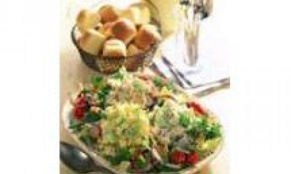Salada Imperial com Molho de Alcaparras