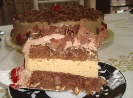 Torta Pão-de-ló com Mousse de Maracujá