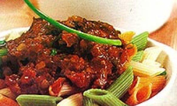 Penne com molho de tomate e funghi porcini