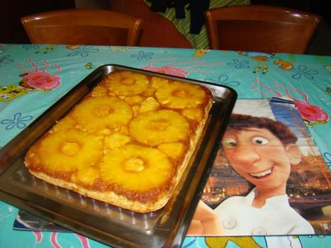 Torta de Abacaxi com Ameixa