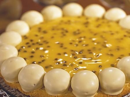 Torta de Maracujá com Bombom