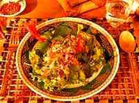 Salada de Frango à Tailandesa | Simone C. Scotton Arruda
