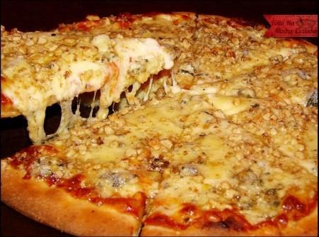 Pizza de Gorgonzola com Nozes