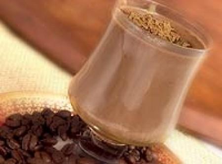Chocolate quente com doce de leite e café