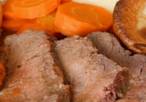 Carne ensopada com legumes
