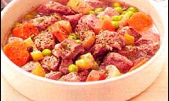 Picadinho de carne de porco ao vinho tinto