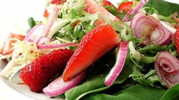 Salada Light de Espinafre com Morango