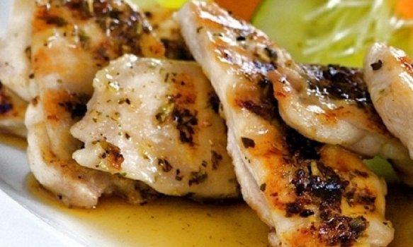 Peito de Frango Grelhado no Grill na Mostarda