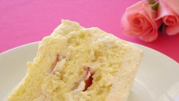 Torta Chiffon Triplo de Limão Siciliano com Morangos