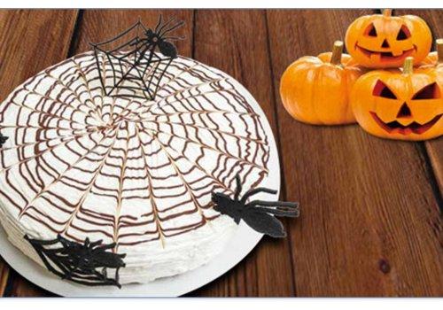 Bolo de Abóbora com Teia de Aranha Halloween