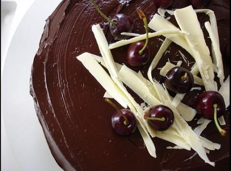 TORTA - Torta de Chocolate com Recheio Trufado de Maracujá