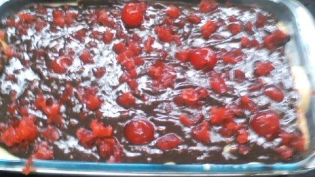 Pavê de Chocolate com Cerejas