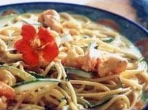 Espaguete com Abobrinha e Camarão