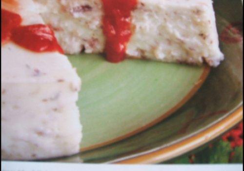 Flan de sardinha com molho de tomate
