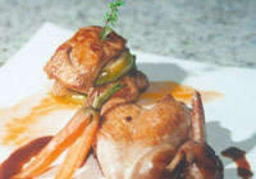 Perdiz rôti com figos e foie gras poêlés e geléia DE LAVANDA
