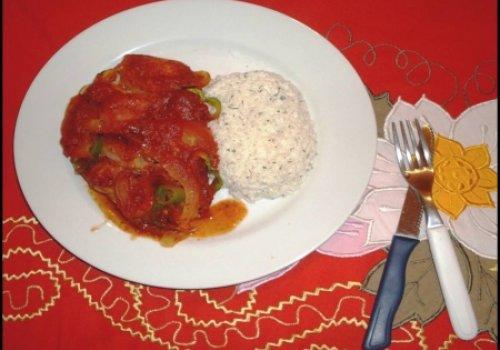 Peixe a moda da Praia de Lagoinha com arroz de salsa