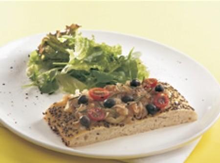 Focaccia com grãos,cebola e alecrim - vegetariana