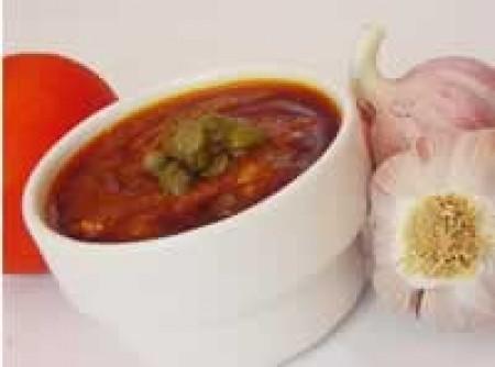 Molho de tomate com alcaparras