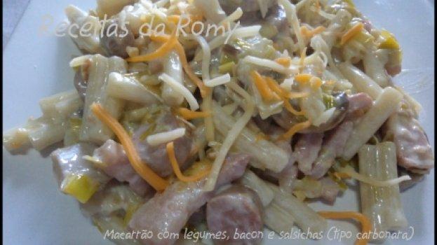 Macarrão com Legumes, Bacon e Salsichas