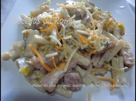 Macarrão com legumes, bacon e salsichas (tipo carbonara)   maria soares