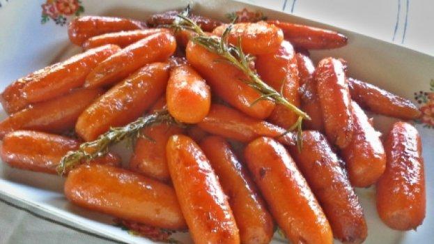 Cenouras Baby Caramelizadas ao Mascavo e Alecrim