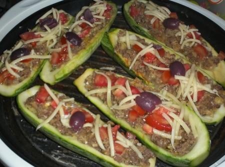 Abobrinhas Recheadas com Carne Moída e Mussarela