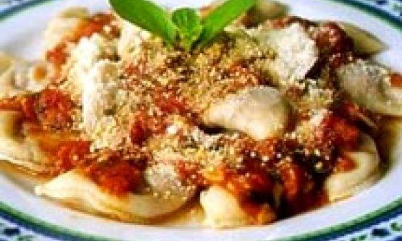 Ravioli de Mussarela de Búfala com Molho de Tomate