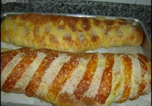 Pão recheado com mussarela e presunto by k&m