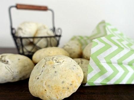Pão de Queijo de Tapioca e Chia | CyberCook
