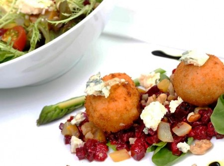 Salada de beterraba e roquefort