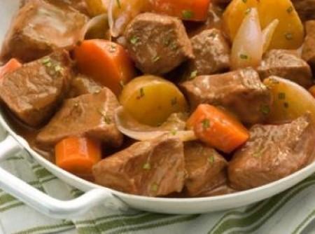 Carne de panela com batatas rapida da Simone