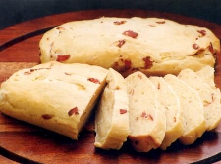 Pão de Batata com Salame
