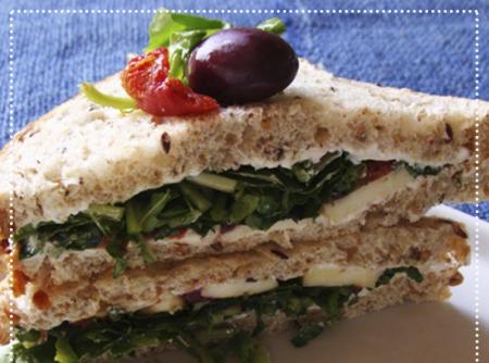 Sanduíche de Rúcula e Tomate Seco | Osamu Morishita