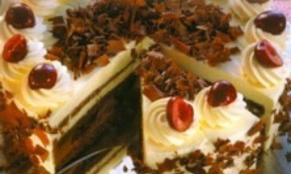 SCHWARZWÄLDER TORTE (Torta Floresta Negra)