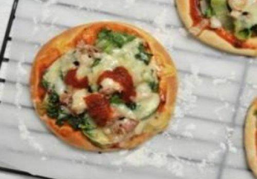 Pizza de escarola e atum