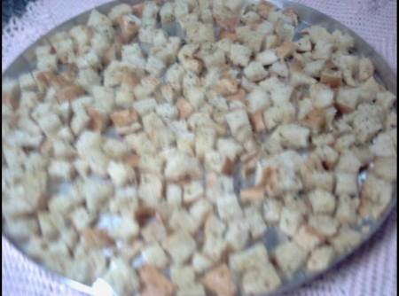 Crouton ( pão Temperado )   Valter José Fernandes