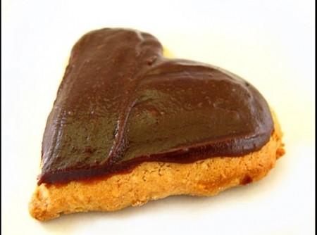 Biscoitos com Calda de Chocolate Quente | Maria Cristina Nascimento de Souza