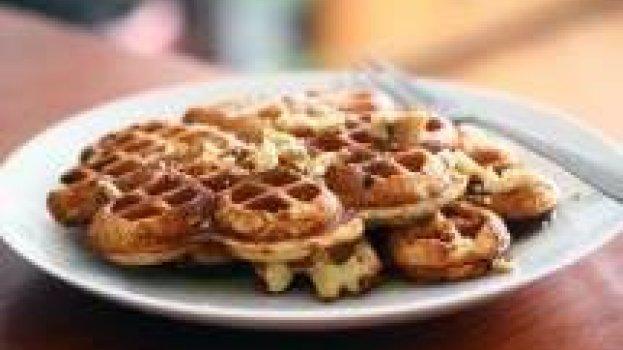 Waffles de Banana e Nozes