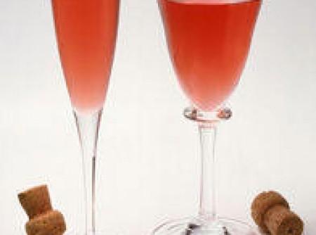 Coquetel de champanhe e morangos