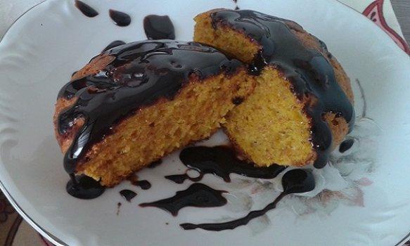 Bolo de Cenoura Super Saudável com Cobertura de Chocolate