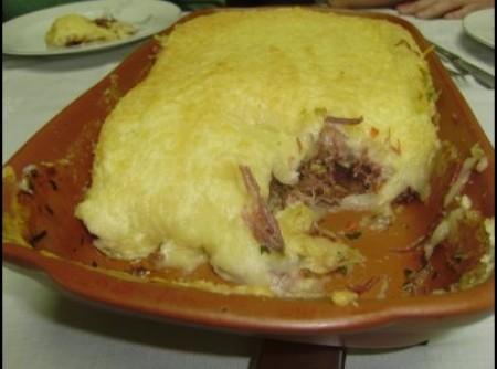 Gratinado de Macaxeira e Carne Seca