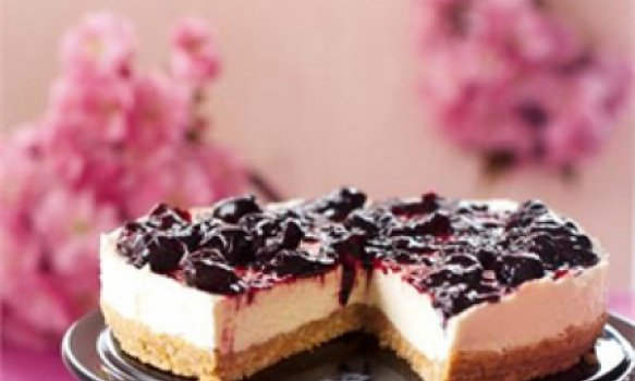 Cheesecake com Calda de Cereja