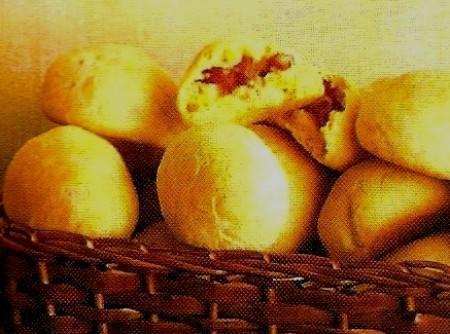 Pão de Minuto Recheado com Linguiça