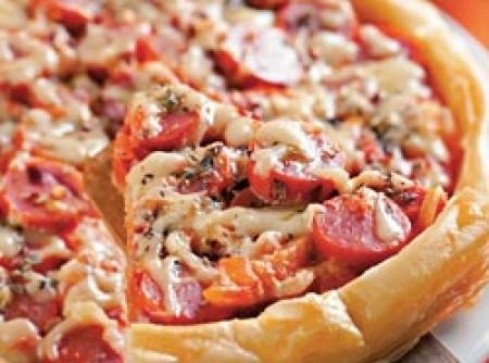 Pizza folhada de salsicha   Adriana Fagundes