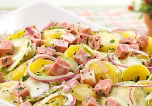salada de feijâo fradinha e mortadela defumado