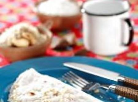 Tapioca com coco e castanha