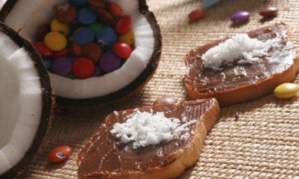 Chococo (Torradas com chocolate e coco)