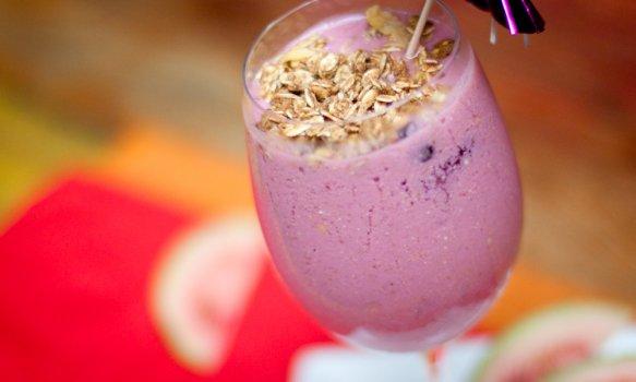 Vitamina de Frutas Vermelhas com Leite de Soja
