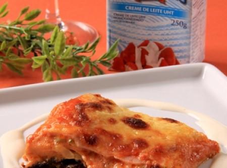 Lasanha de Abobrinha com Tomate Seco e Molho Branco