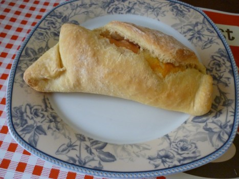 Pão Recheado de Peito de Perú